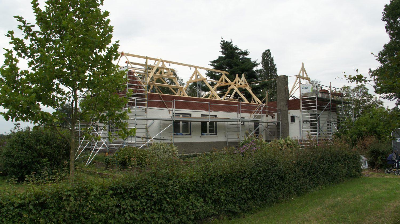 Complete renovatie en verhoging dak