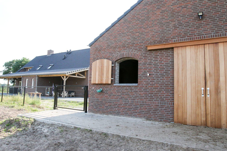 Nieuwbouw woonhuis en bijgebouw