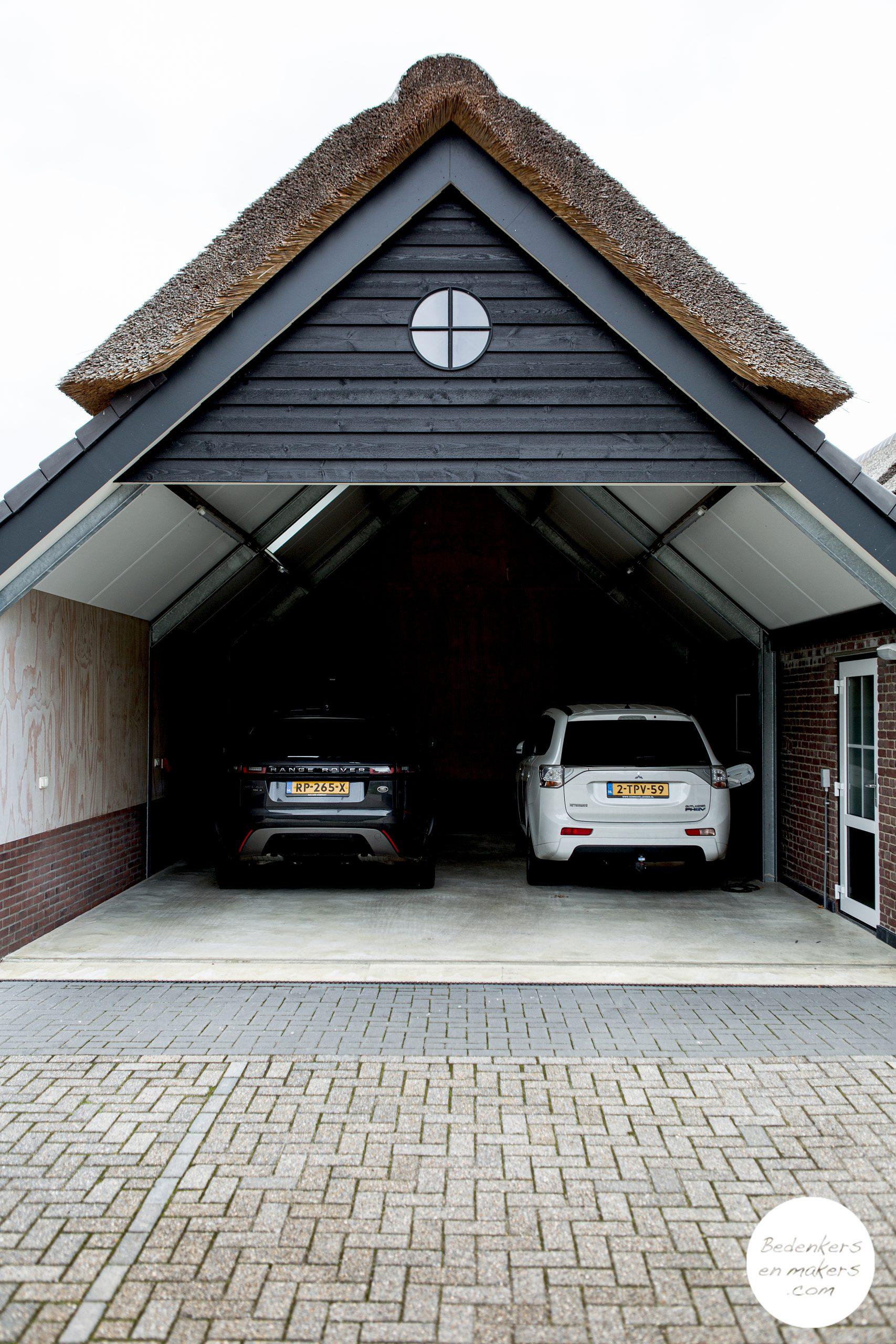 Een rieten dak als binnenkomer